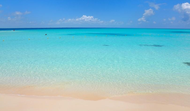 Playa Norte, en Isla Mujeres, Cancún. Fotografía de i_amici; licencia Creative Commons.
