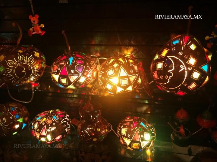 Tienda de lamparas Jellyfish. Foto: RivieraMaya.mx