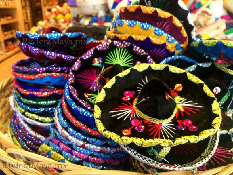 fe7b21b4de2 Si vas a disfrutar unos días de la Riviera Maya y quieres llevarte algunos  recuerdos a casa o adquirir algún souvenir para los amigos, tienes que  saber que ...